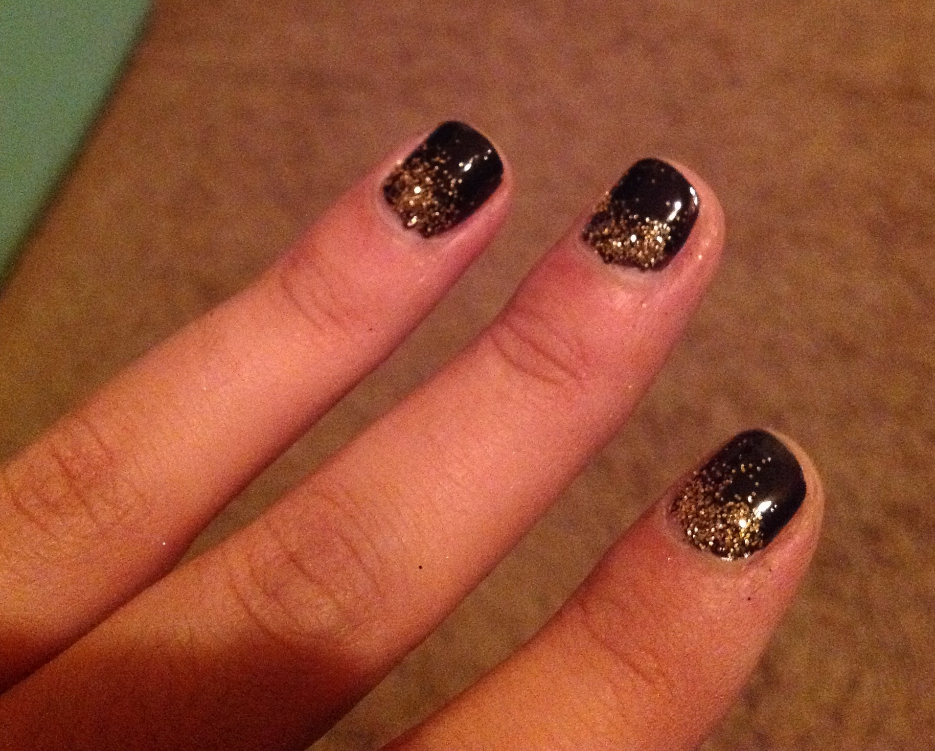 The Disco Accent Nail